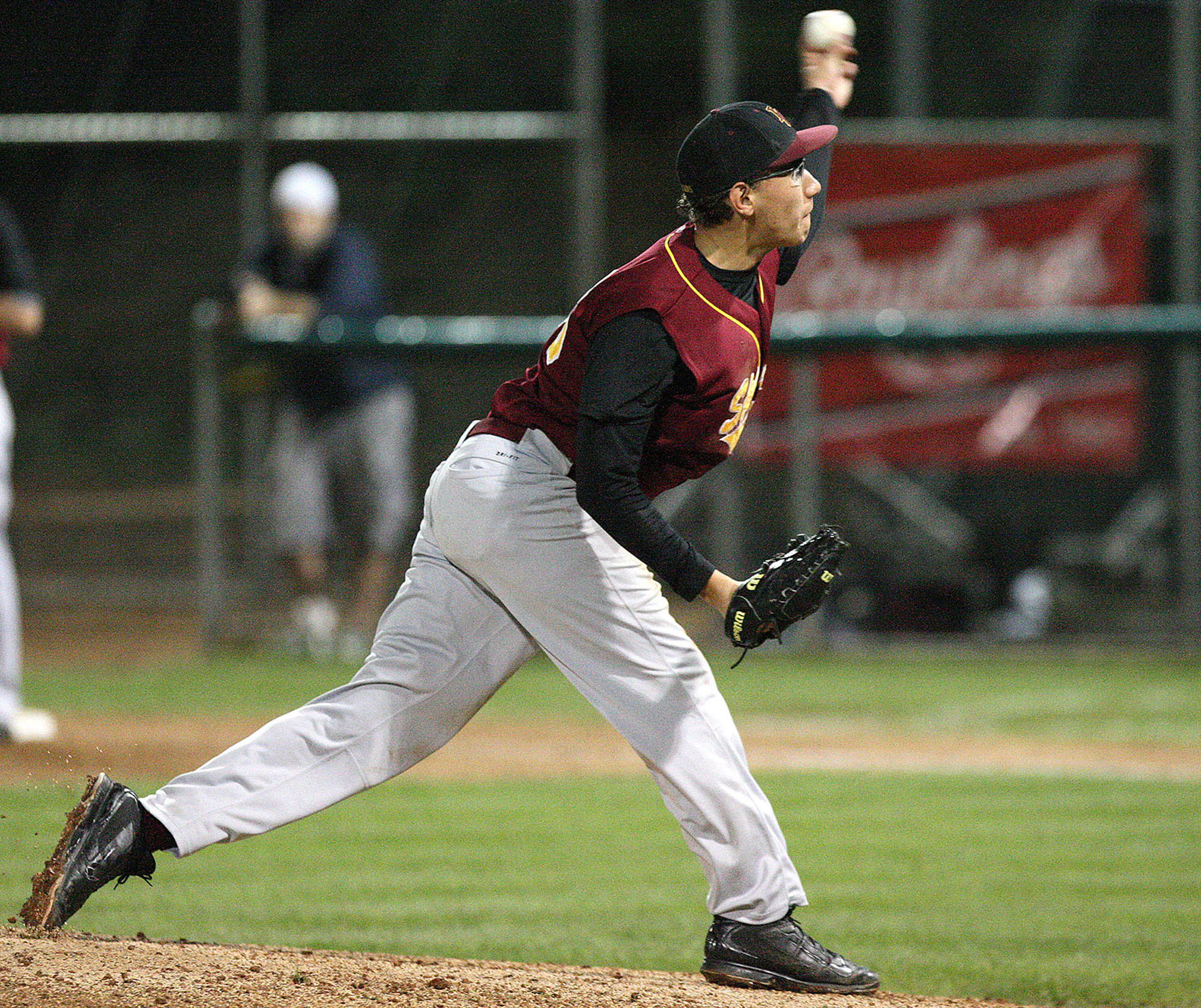 La Cañada pitcher Justin Lewis throws a pitch during a game at Stengel Field on Tuesday, March 4, 2014.