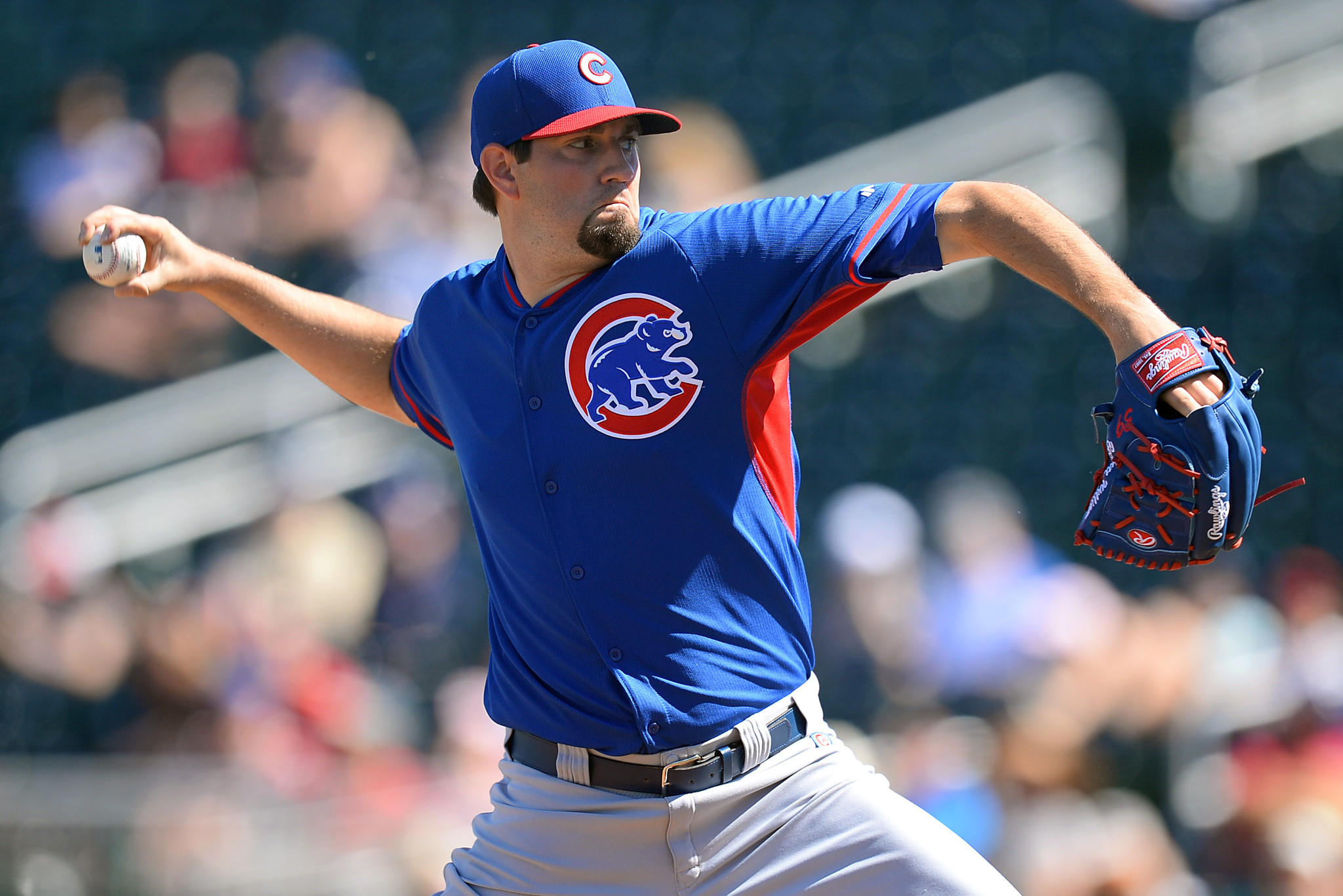 Chicago Cubs starting pitcher Jason Hammel (39) pitches against the Cincinnati Reds at Goodyear Ballpark.