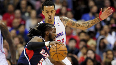 Clippers find escape route to beat the Hawks