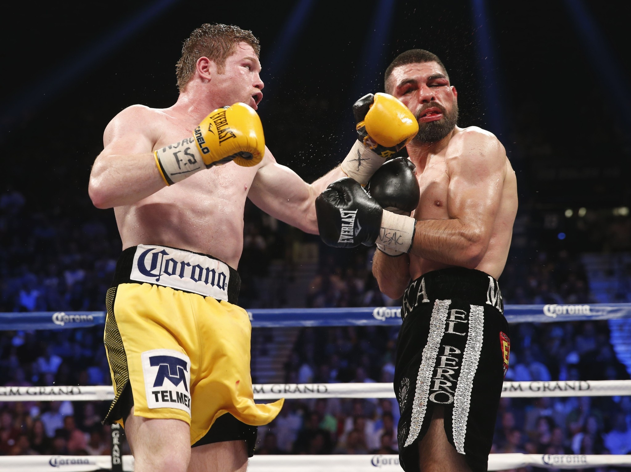 340866265520069640 additionally Miguel Cotto Next Fight Announced furthermore 196023 besides 2 further Oscar De La Hoya Julio Cesar Chavez Get Flashbacks Of Their Fights. on oscar de la hoya 2017