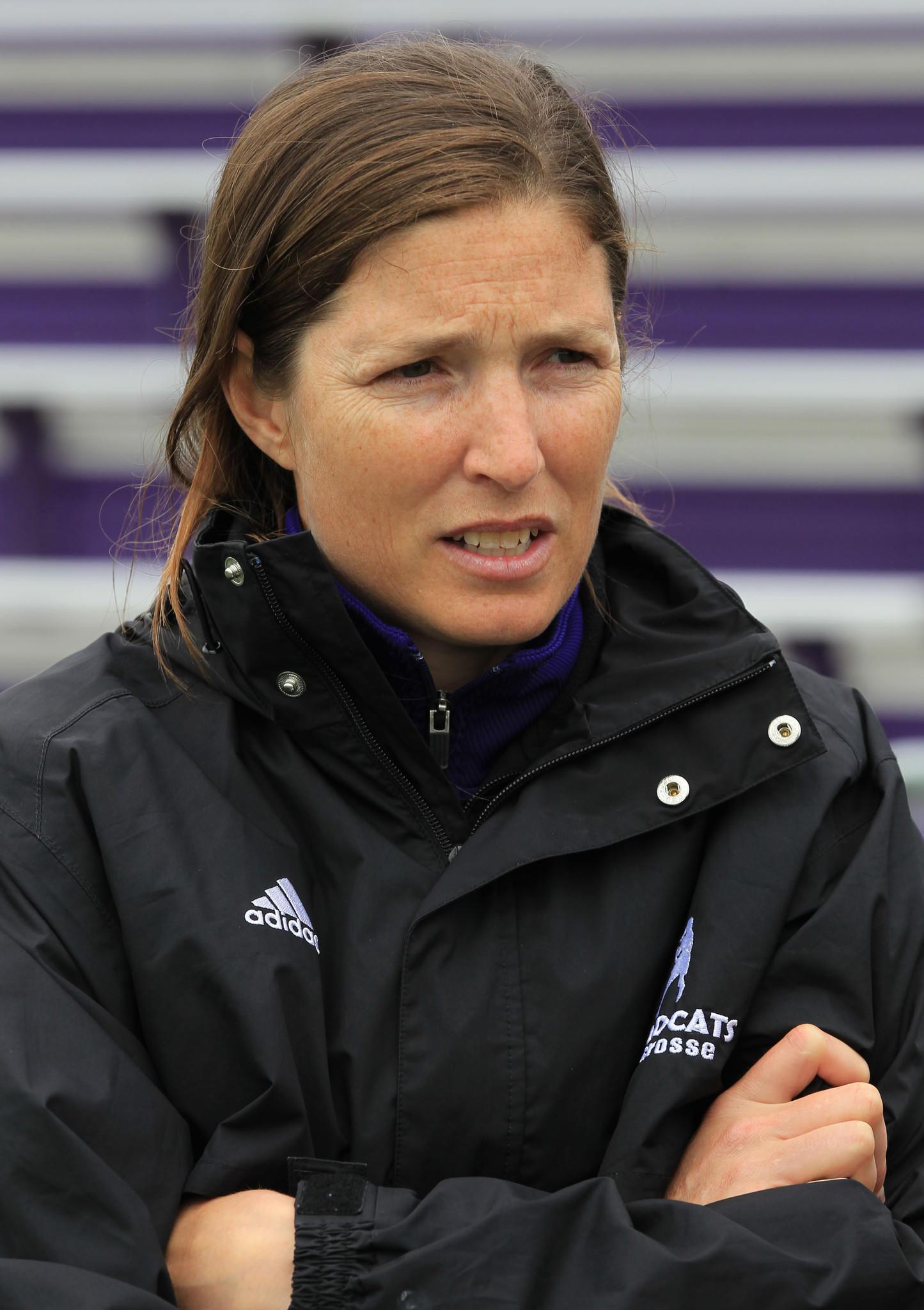 Kelly Amonte Hiller's Northwestern lacrosse team is off to a rocky start.