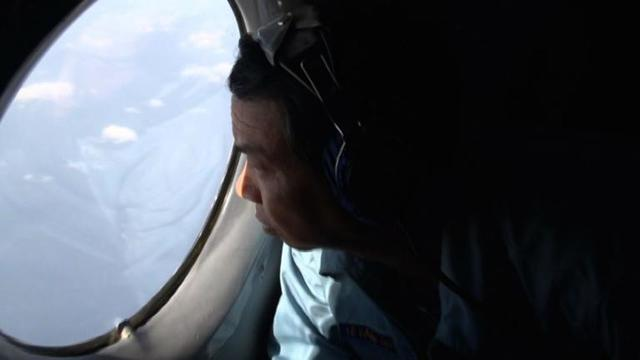 Vietnam looks for possible wreckage from Malaysian plane