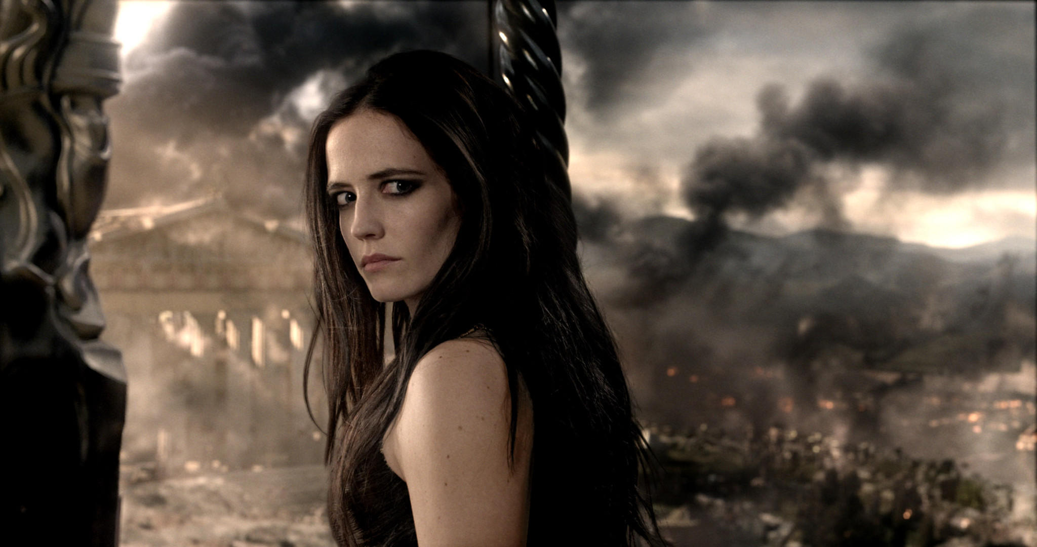 "Eva Green's work in ""300: Rise of an Empire"" has been lauded by critics."