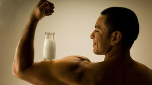 Need to bounce back from big workout? Experts say milk better than sports drinks for recovery