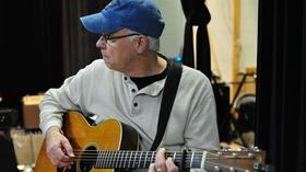"Ron Fetner, award-winning Seaford songwriter, to launch ""Songs in a Bucket Tour"""