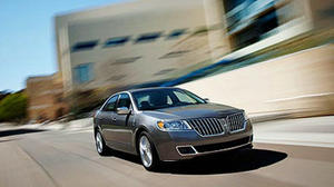 Lincoln stays true to form with MKZ Hybrid