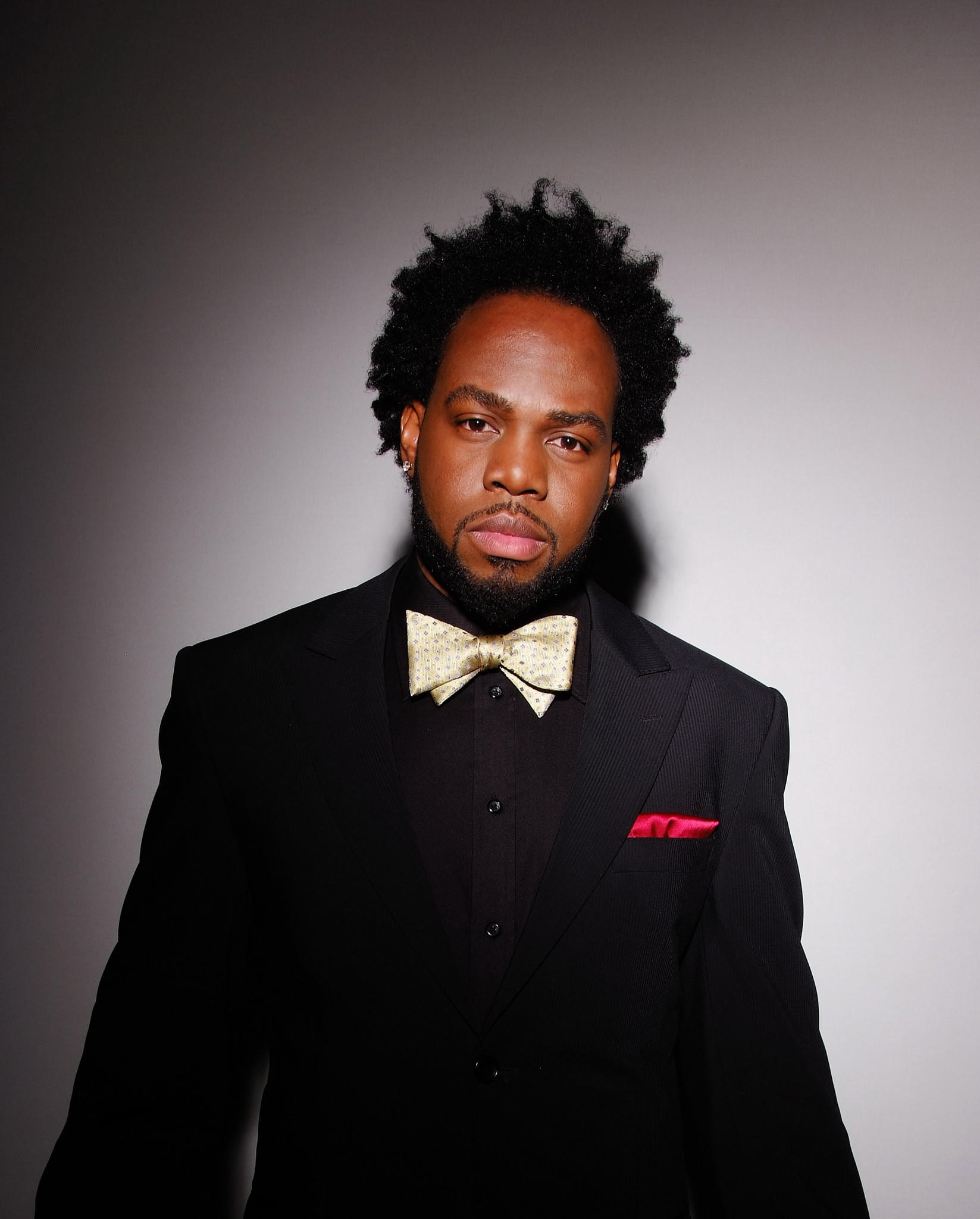 "Soul singer Dwele will perform songs from his debut album, ""Subject,"" at Baltimore Soundstage."