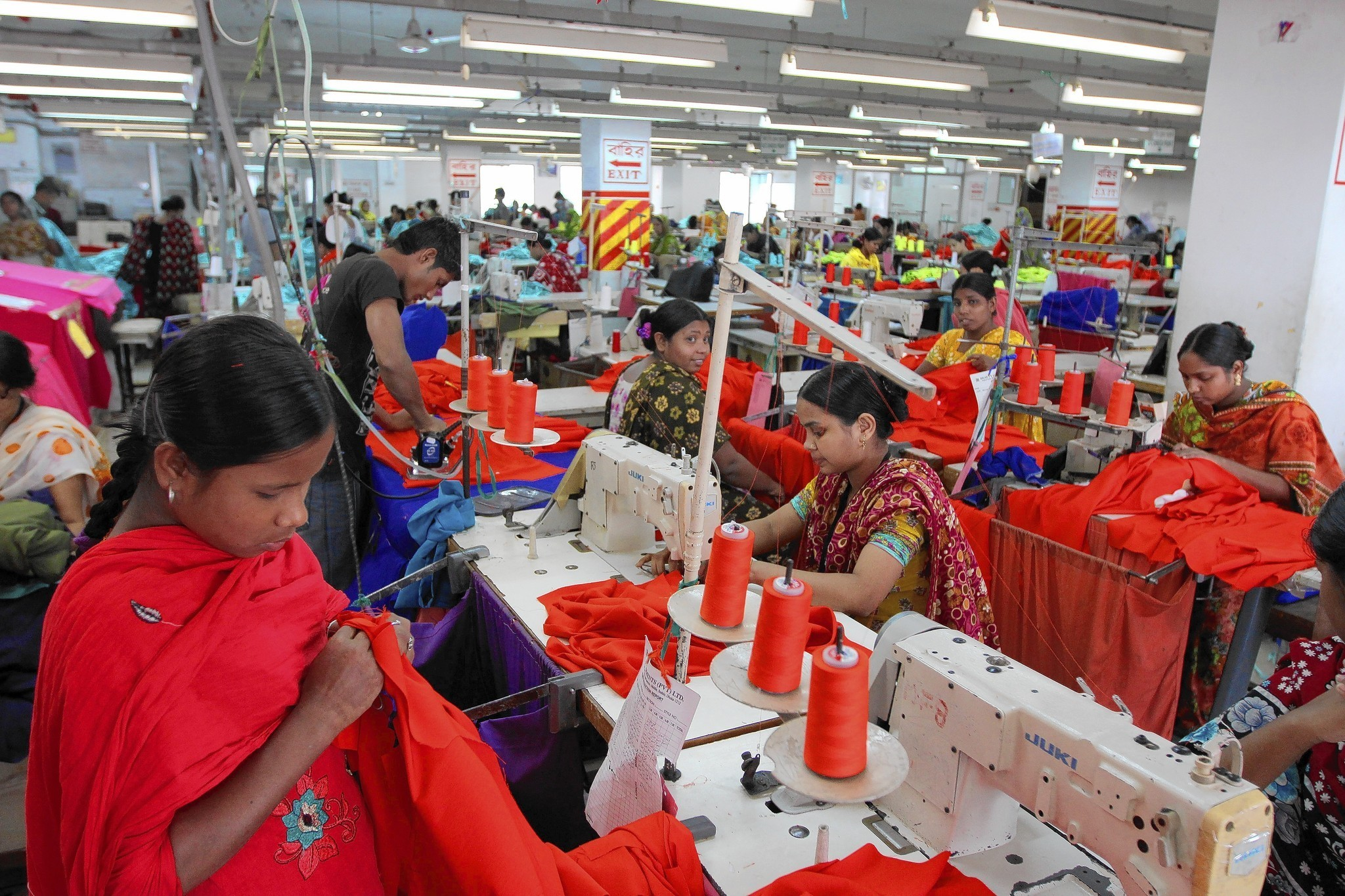hitory of textile industry in bangladesh Bangladesh operates a thriving textile and clothing export industry and is one of the world's largest garment exporters garments account for almost 80 percent of its total exports.