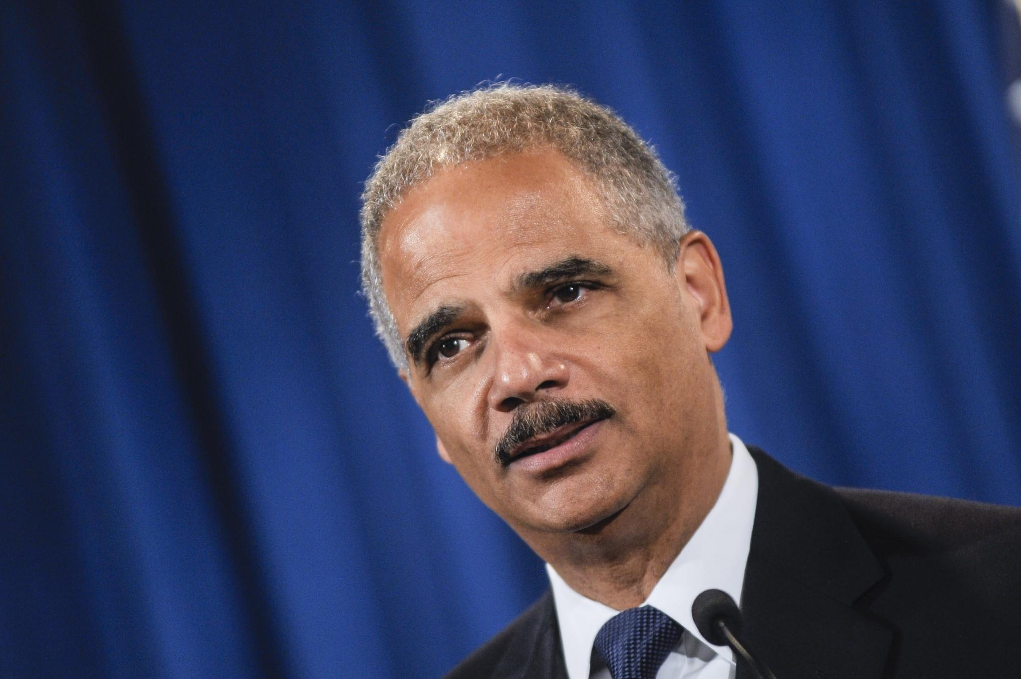 U.S. Atty. Gen. Eric H. Holder is to call for reduced drug sentences during a hearing Thursday.