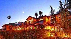 Frankie Muniz lists his Hollywood Hills-area home