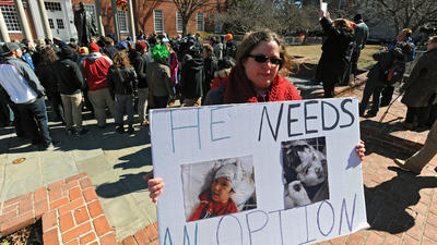 Legal marijuana backers rally before hearings