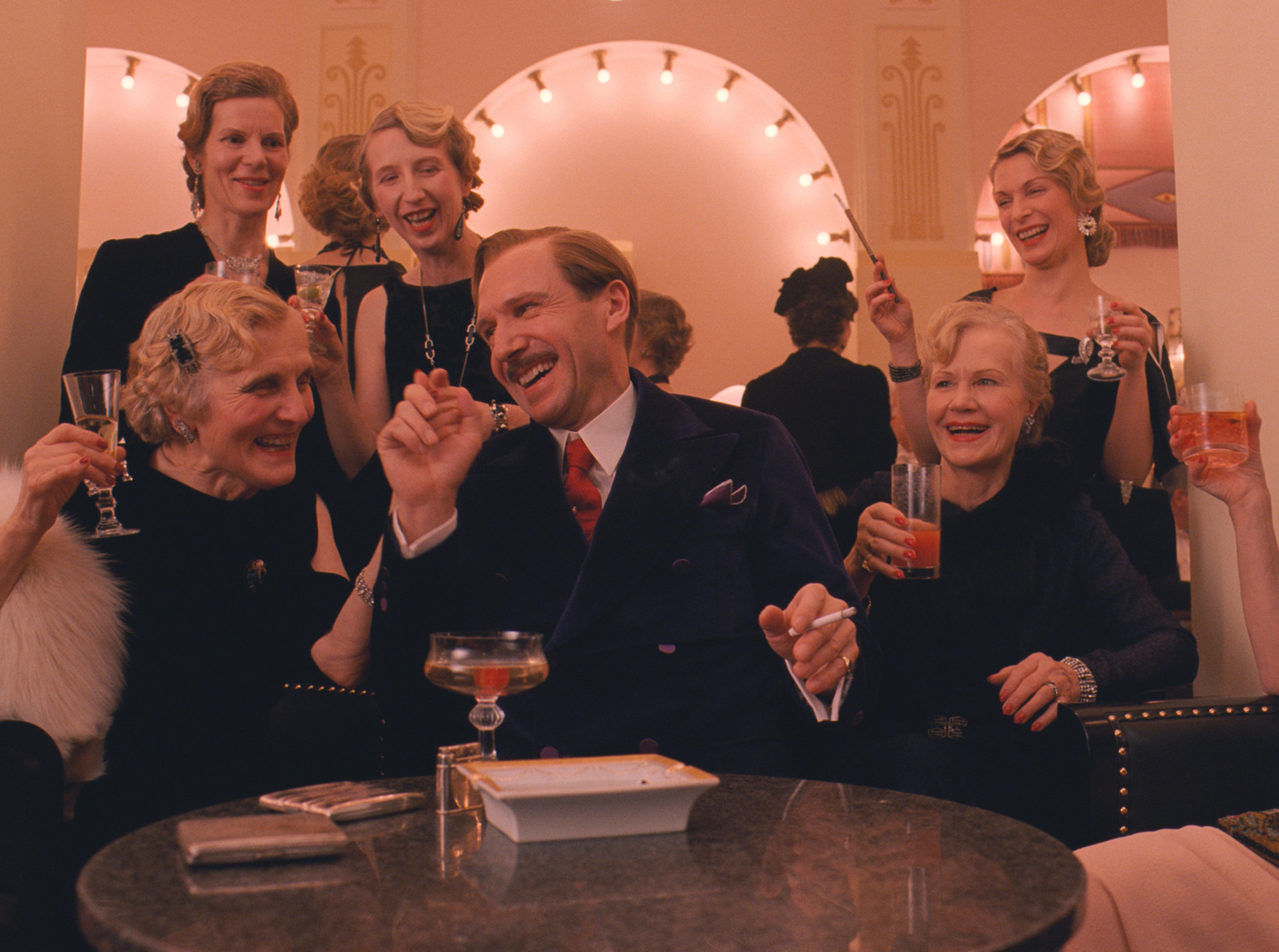 grand budapest hotel movie review chicago tribune