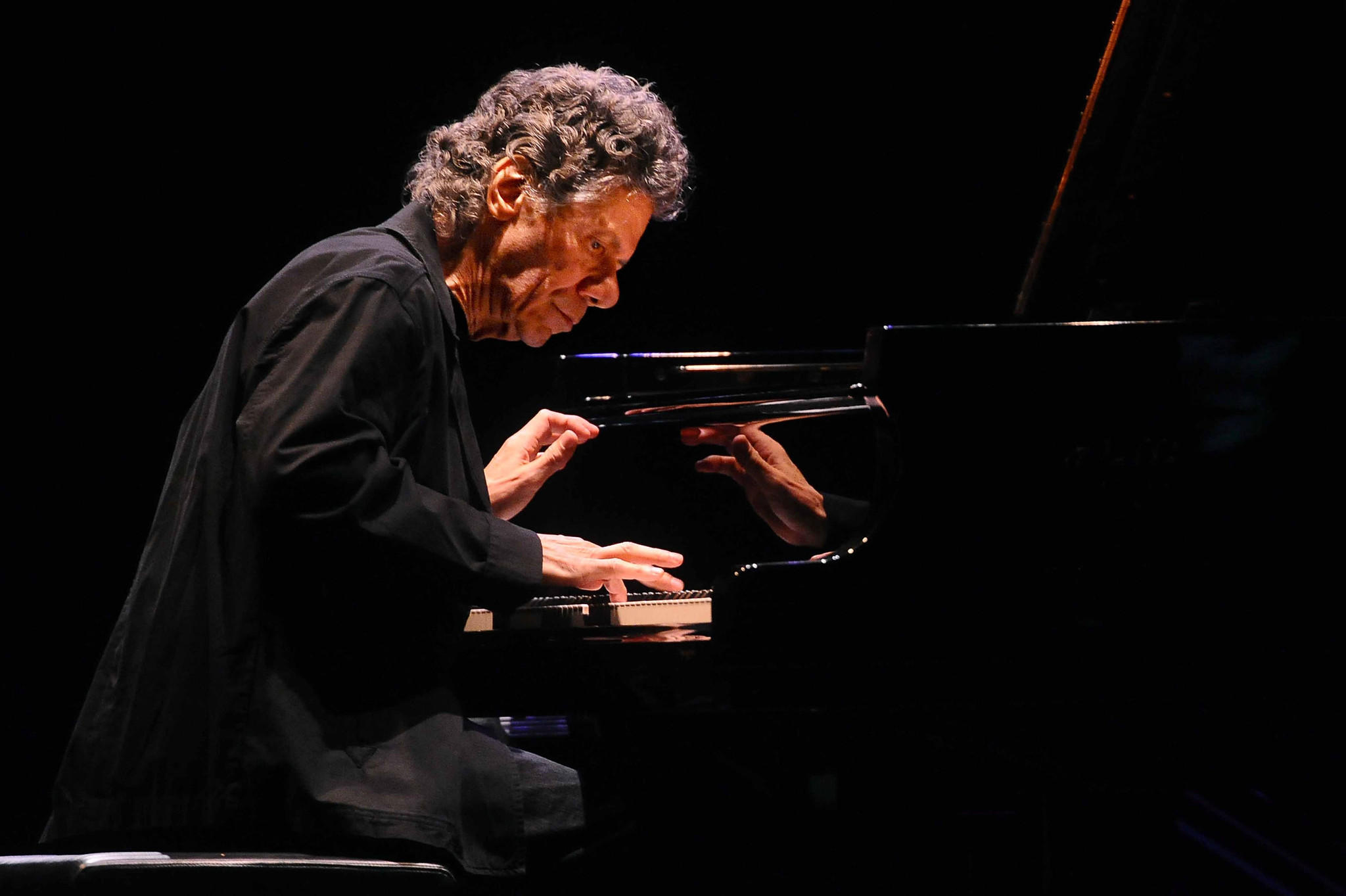 American jazz pianist Chick Corea will perform with Béla Fleck at UCLA.