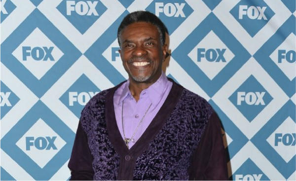 "Keith David, scheduled to debut in ""Paul Robeson"" this week at the Ebony Repertory Theatre in Los Angeles, has some swelling in his knee, which has postponed the opening."