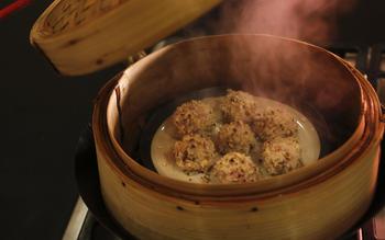 Pearly meatballs (zhen zhu rou wan)