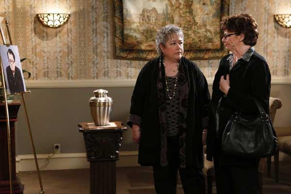 "Mike's mom's (Rondi Reed) friend (Kathy Bates, left) bonds with Molly on CBS's ""Mike & Molly."""