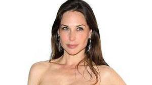 Busy day in N.Y. is best for Claire Forlani