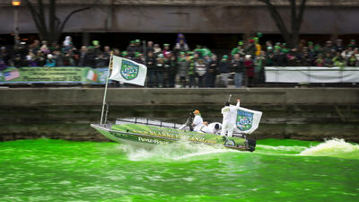 Band gets front-boat seat to Chicago River dye job