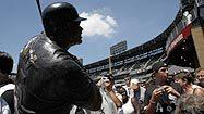 Frank Thomas honored, proud of new statue