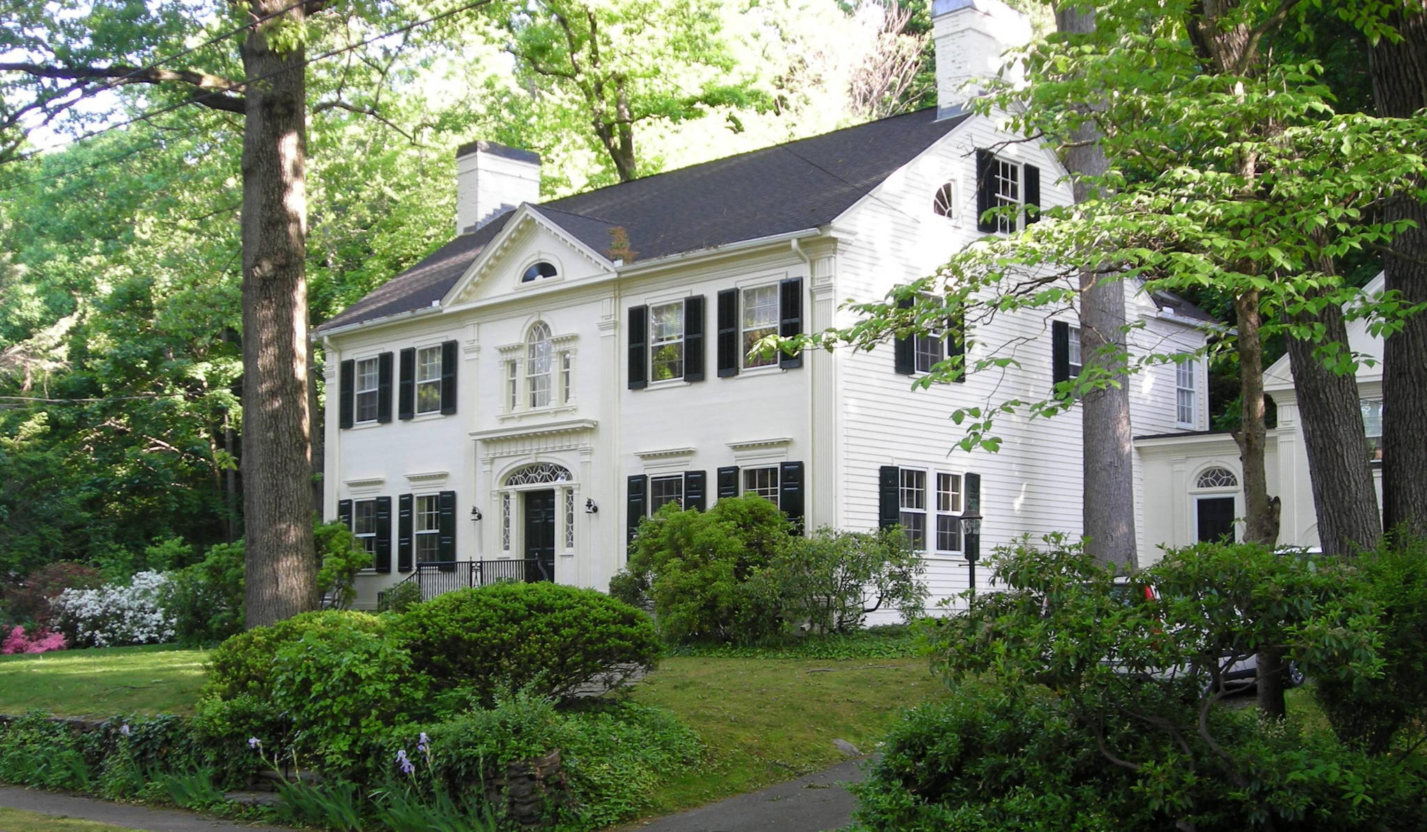 Alice Washburn-designed house in Hamden.