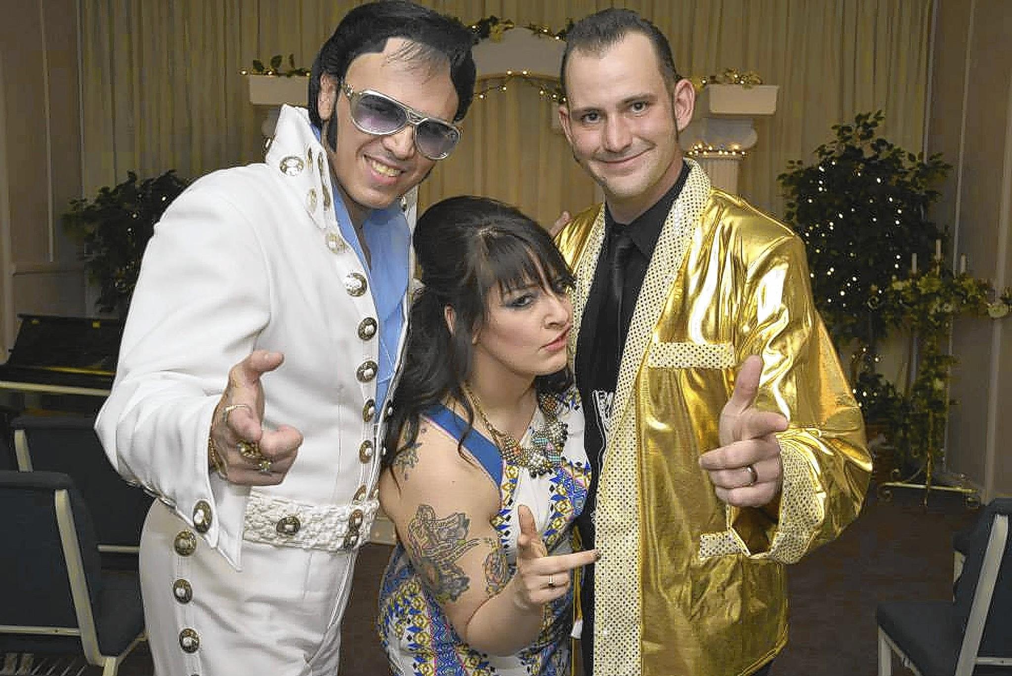 Elvis with Laura and Brian Schneider.