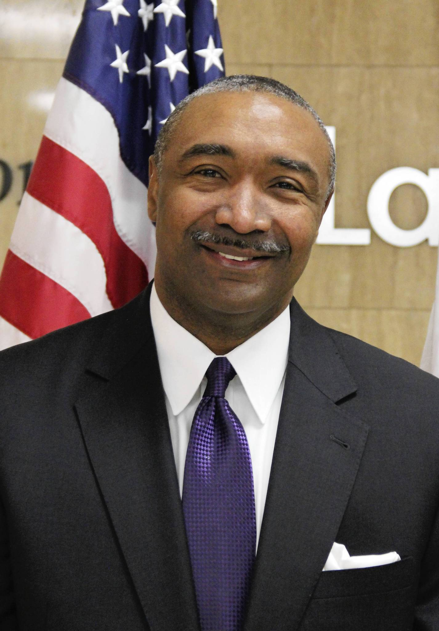 Waukegan City Clerk Artis Yancey died this morning after collapsing at his home, the city's mayor said.