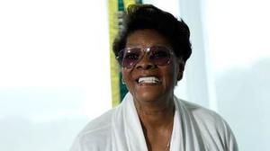 CELEBRITY TRAVELER DIONNE WARWICK: Singer drawn to Brazil for relaxation