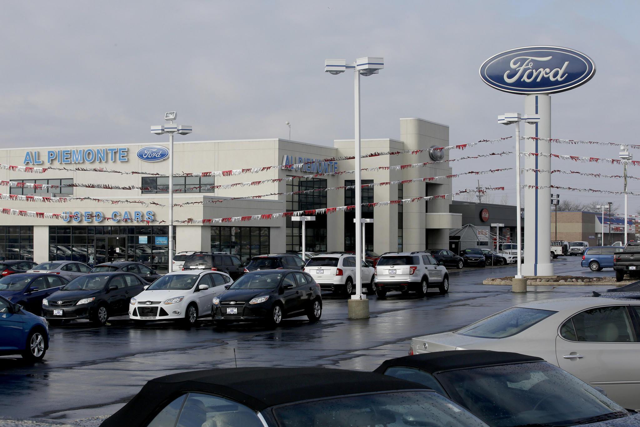 Al Piemonte Ford dealership on North Av. and 25th Av. in Melrose Park. (Chuck Berman/Chicago Tribune)