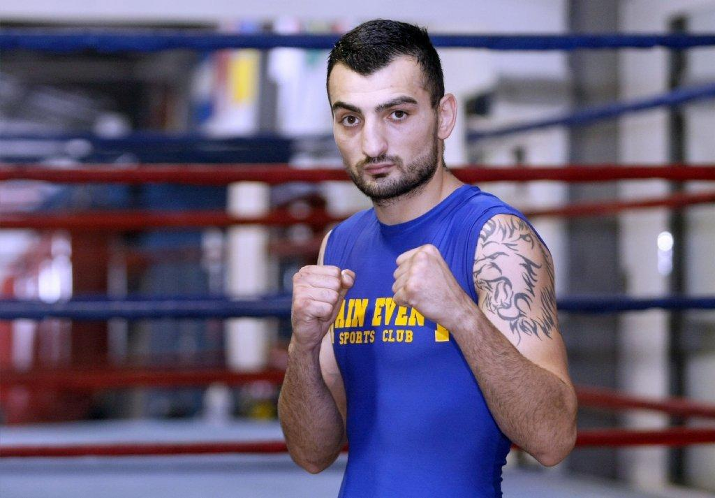 Vanes Martirosyan won Friday night via unanimous decision over Mario Alberto Lozano (File Photo).