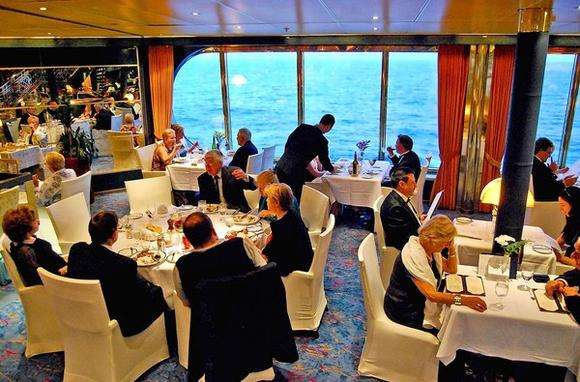 Rotterdam VI's La Fontaine dining room during a cruise to New York.