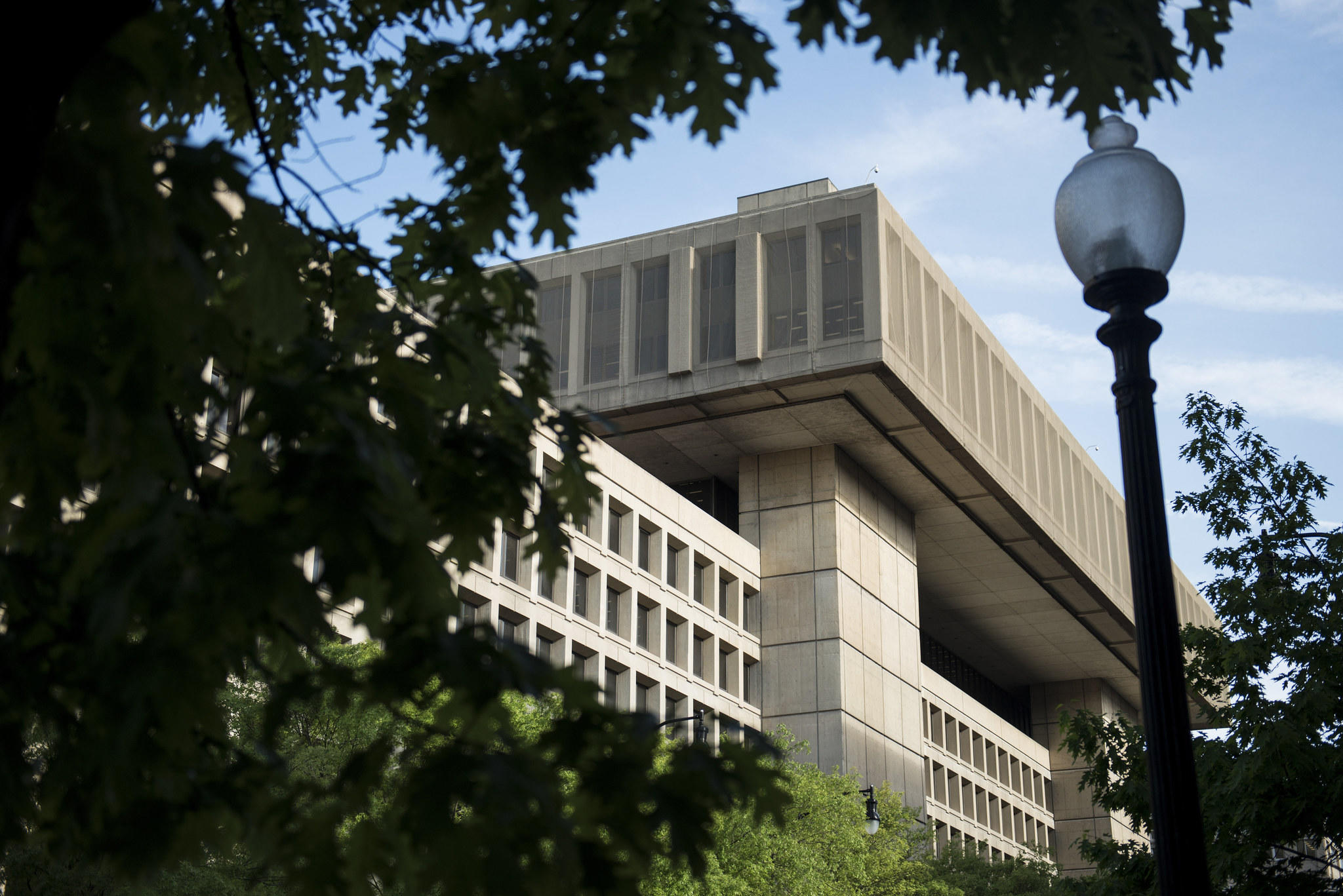 The FBI announcement that it will move its headquarters has sparked fierce competition in the Washington DC area withe bordering states Maryland and Virginia competing to have the FBI find a new home in their states.