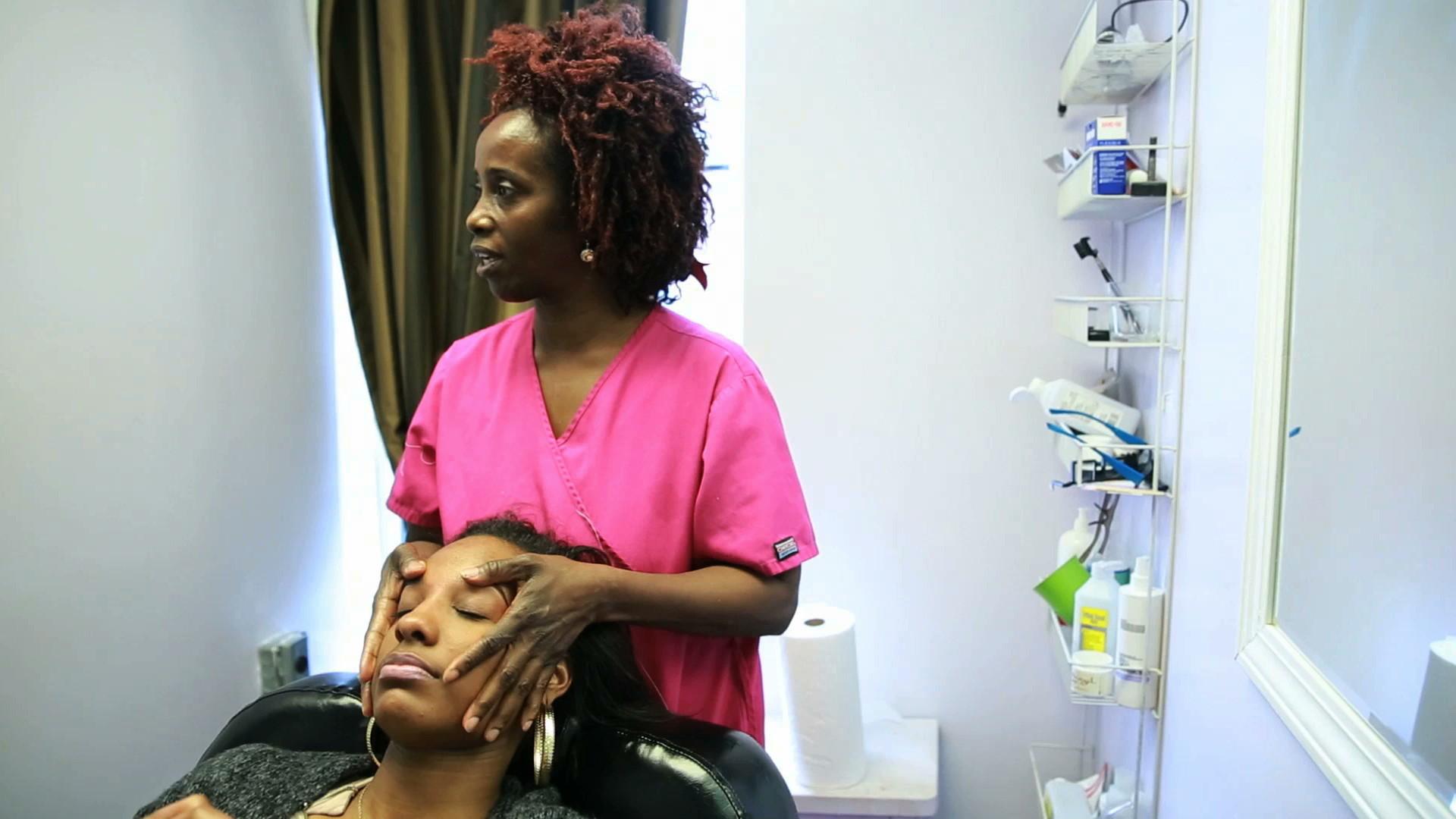 Controversy involving hyde park hair salon chicago tribune for A j salon chicago