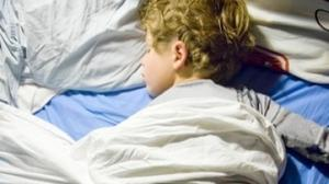 How to handle a tot's sudden bed-wetting