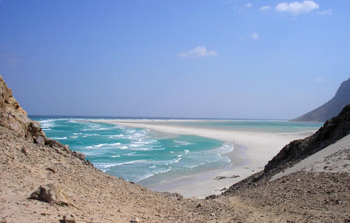 The approach to Ditwa lagoon and beach near the port of Qalensiya, the second biggest town on Yemen's Socotra island in the Arabian Sea February 1, 2008.
