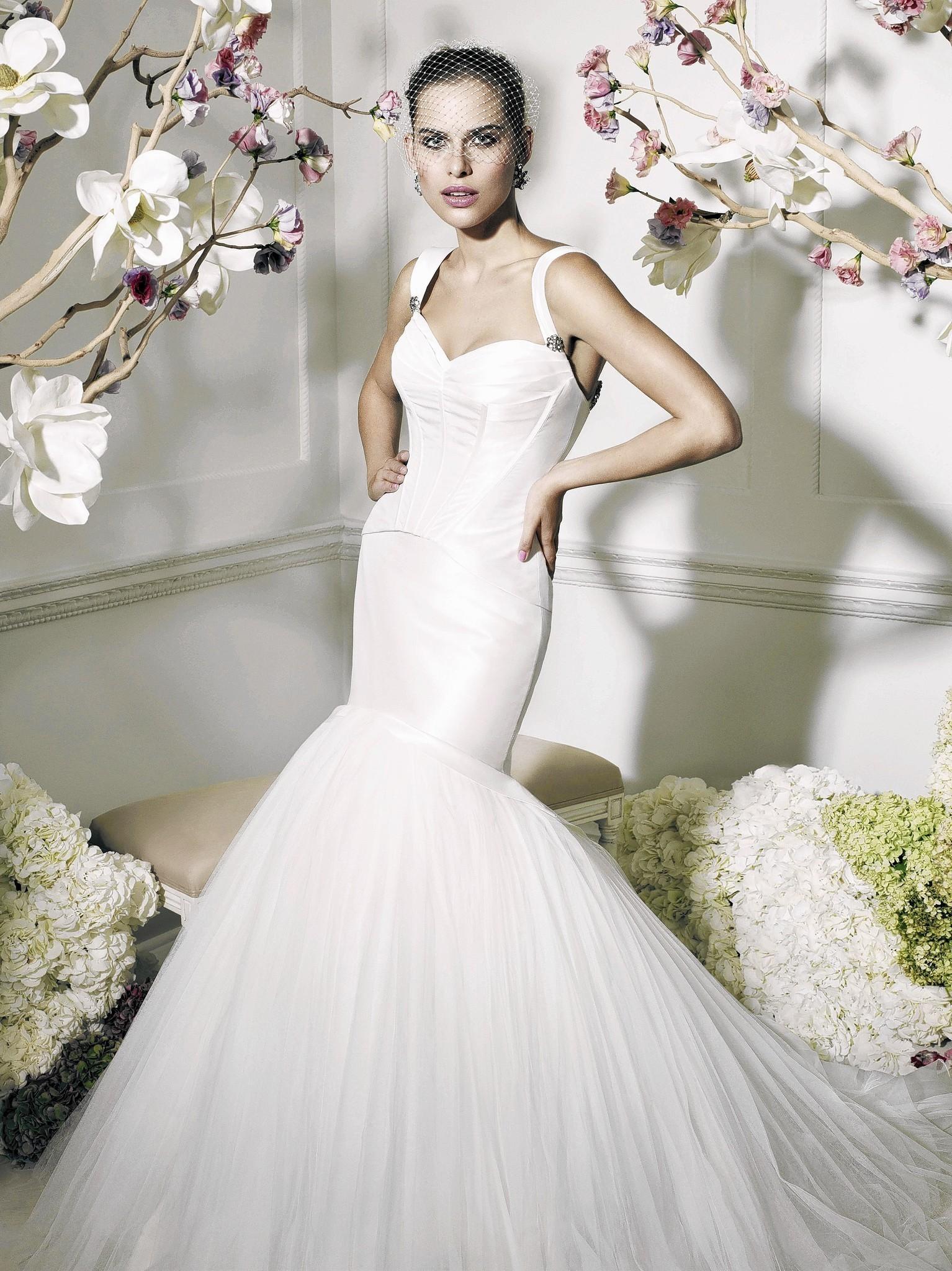 Mismatched elegance is bridal goal at weddings - Chicago Tribune
