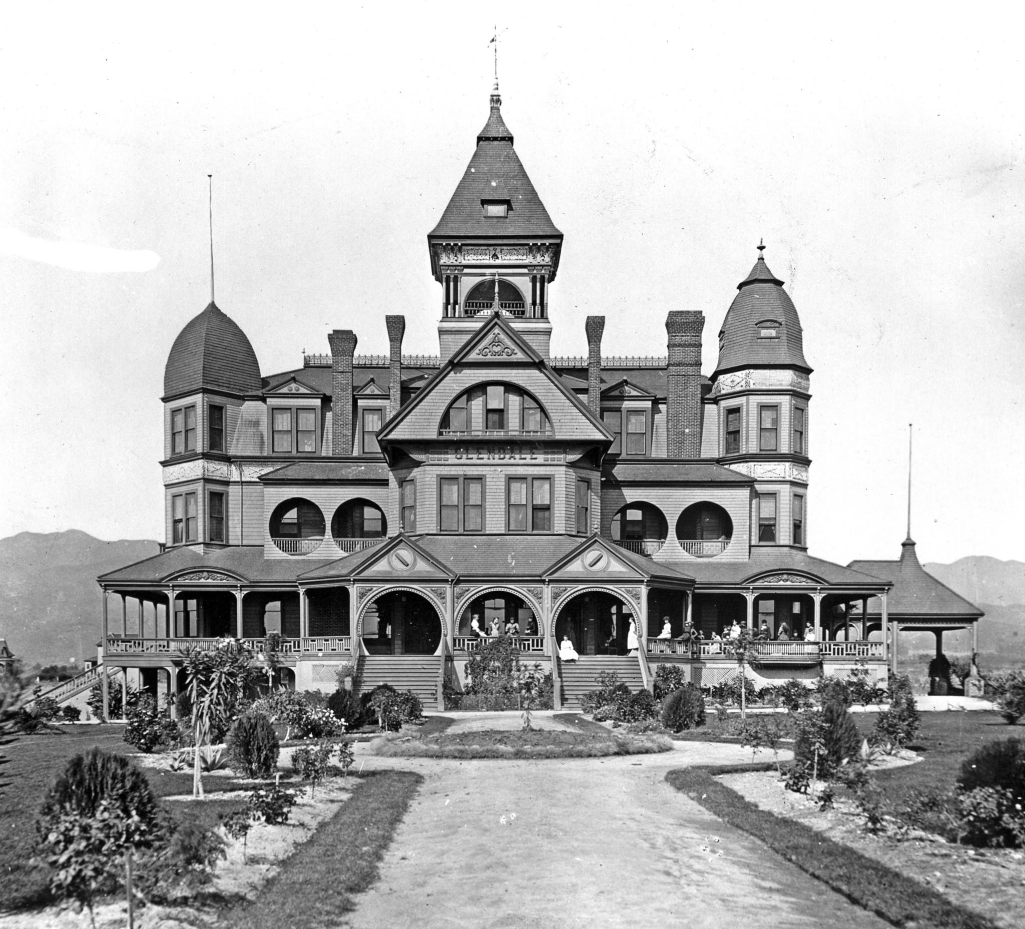 After the landmark Glendale Hotel, built in 1887 on Broadway between Jackson and Isabel streets, fell victim to a faltering economy, it was rented by the Episcopal Church and used as a girls' school. St. Hilda's Hall opened in February 1889 and a month later became the first home of the newly formed Episcopal mission, which eventually became St. Mark's Episcopal Church. Photo circa 1890.