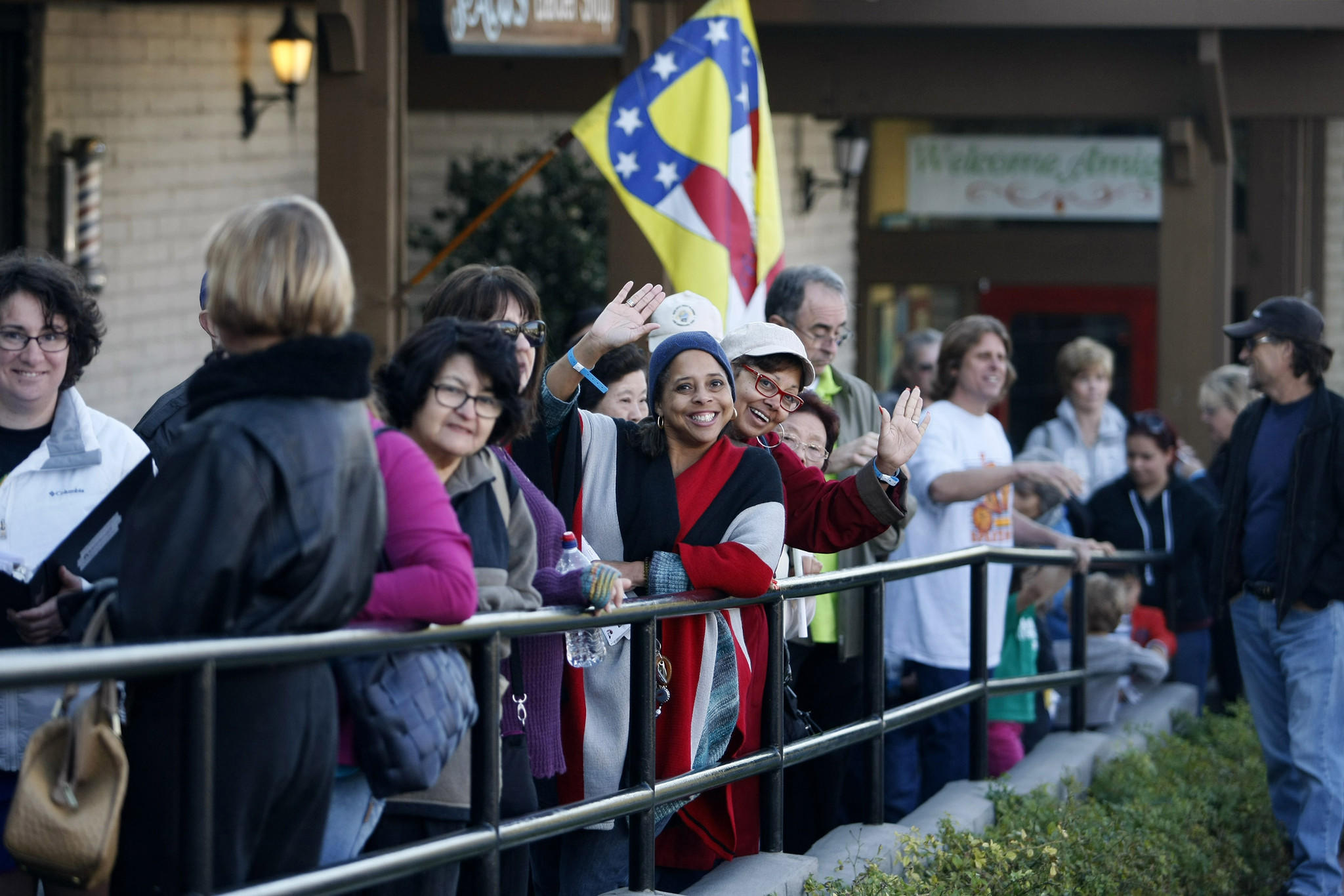 Gelson's customers lined up for the grand opening ceremony at the new store on the 600 block of Foothill Blvd. in La Cañada Flintridge on Thursday, March 27, 2014.