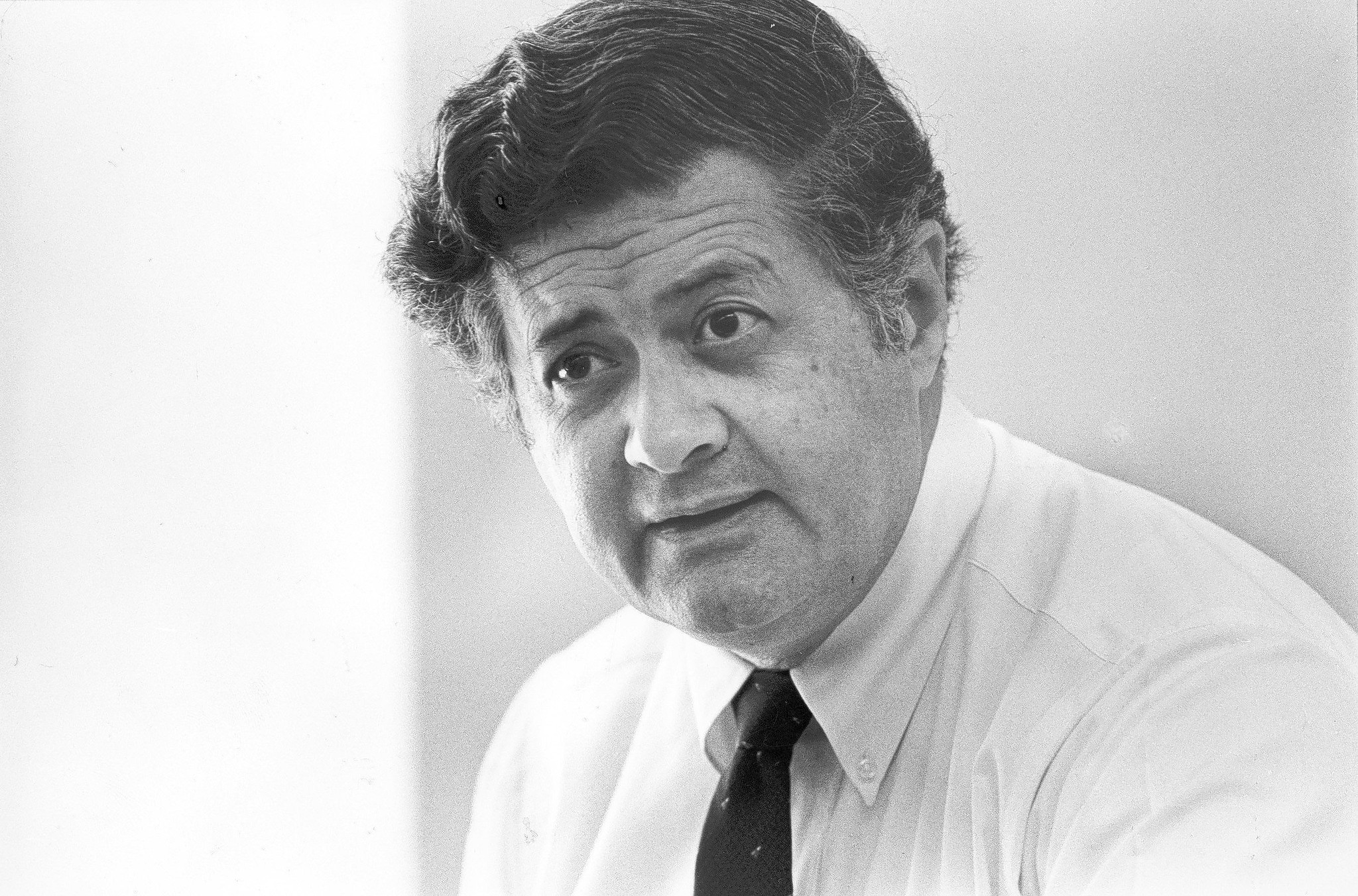 Robert L. Brosio, who led the criminal division of the U.S. attorney's office in Los Angeles for 28 years, died Friday.