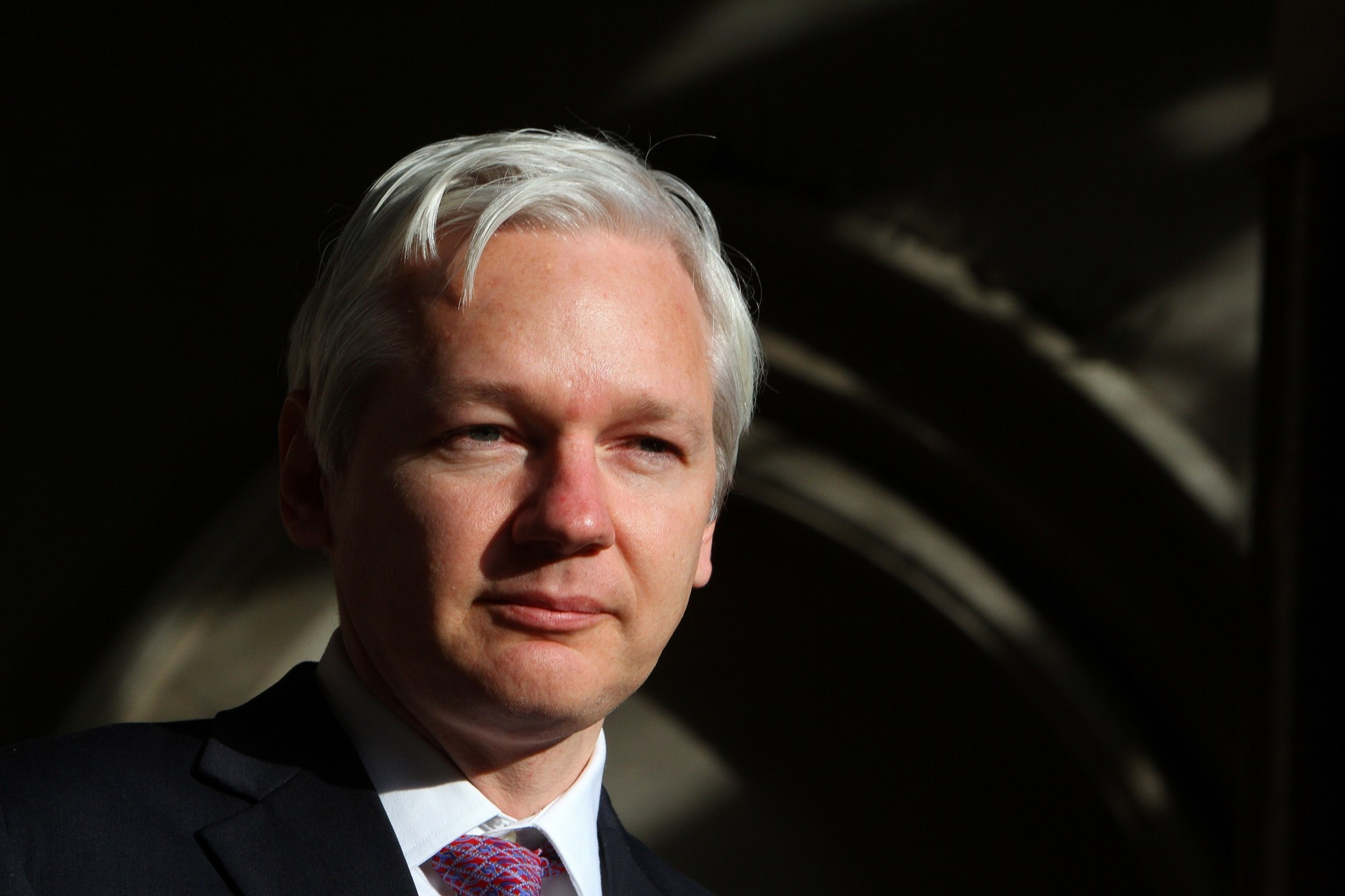 wikileaks julian assange to take on google in new book la times