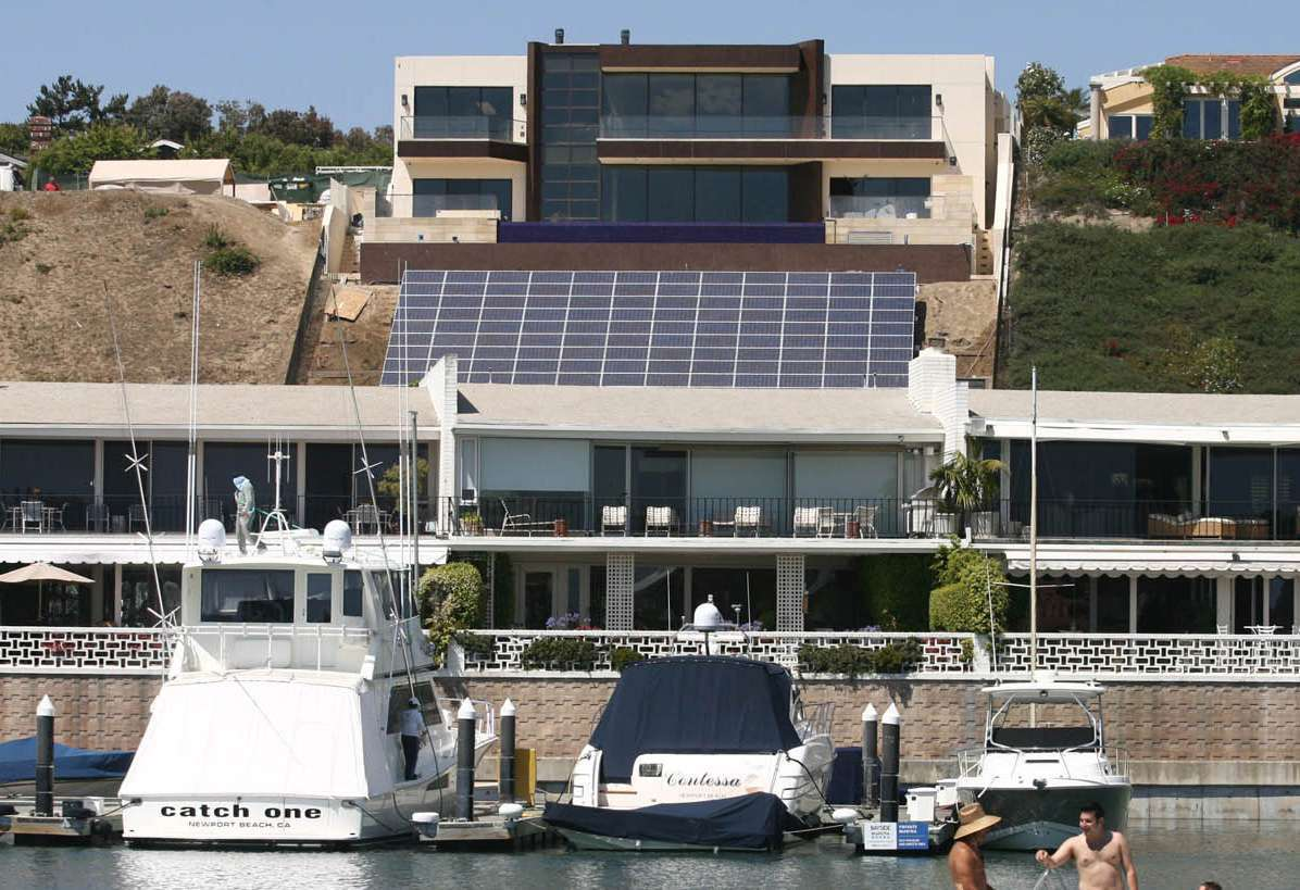 Some residents on Balboa Island and Bayside Drive have complained about the brightness coming off nearby solar panels, but a UCI discovery may help eliminate this and other kinds of annoying glare.