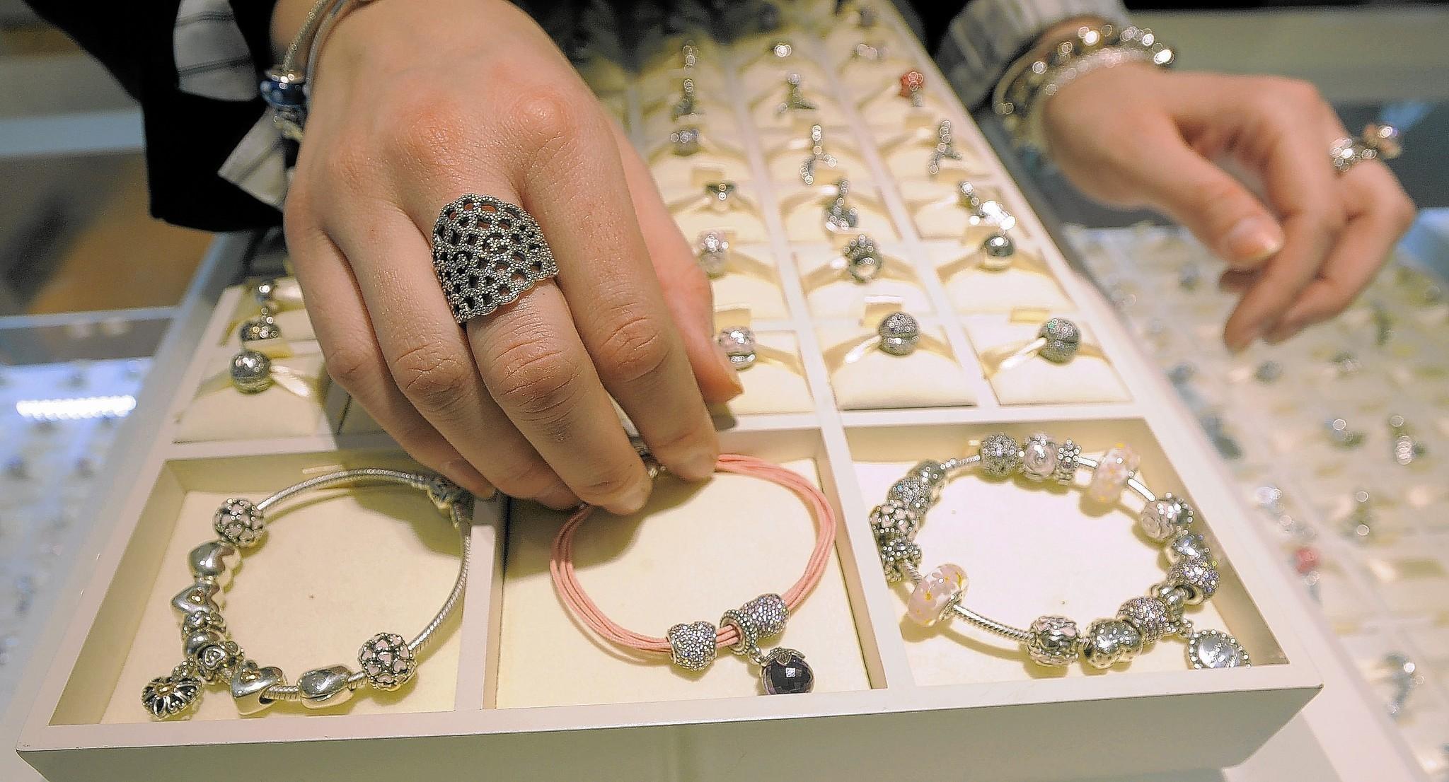 Pandora Bracelets Retailers