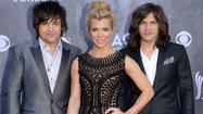2014 ACM Awards red carpet photos