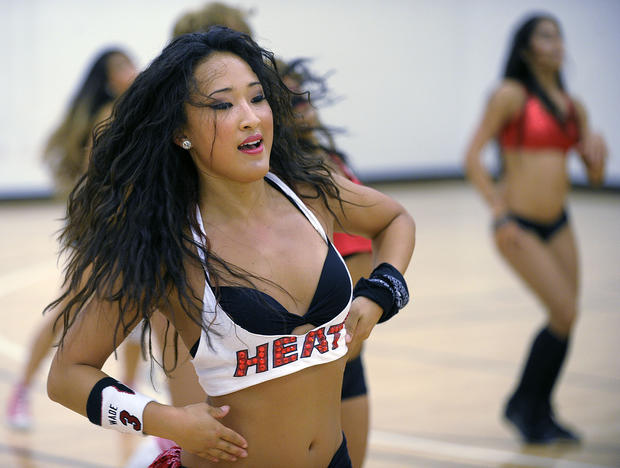 Heat cheerleaders