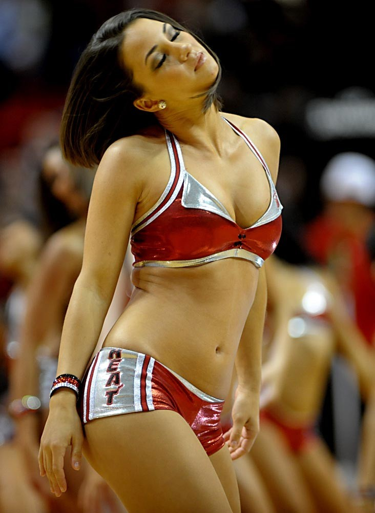 <b>Photos:</b> Miami Heat Dancers in action - Heat cheerleaders