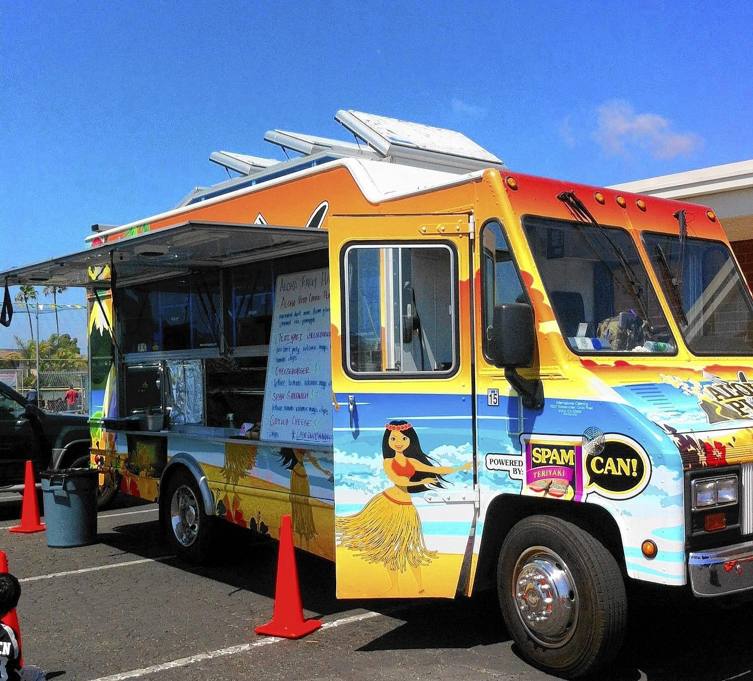 The competition-winning Aloha Plate food truck at Seaview Little League.