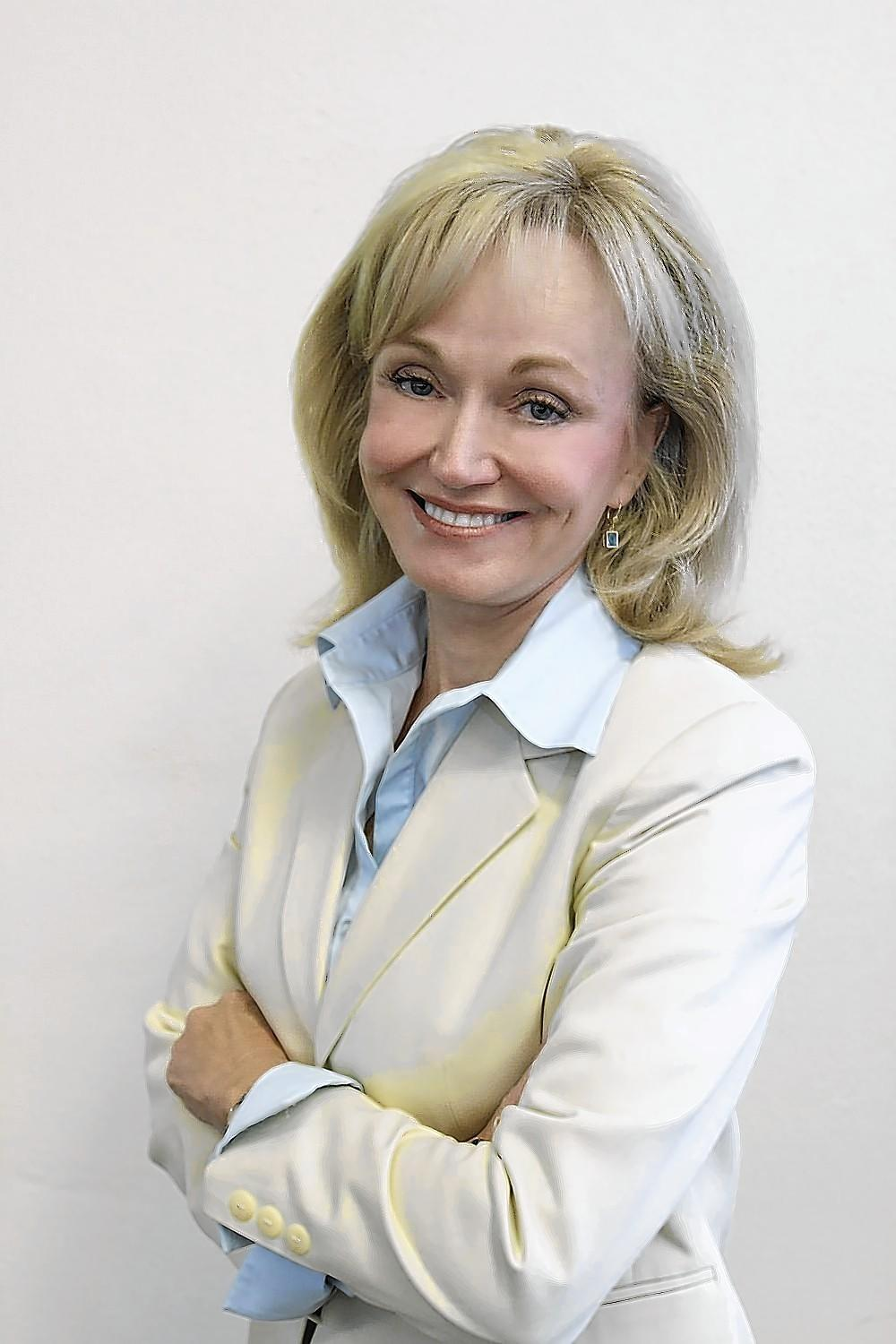 Laguna Beach Mayor Elizabeth Pearson will not seek reelection in this year's City Council race. Pearson cited her commitment as president and chief executive of Pacific Chorale, a nonprofit that is the resident choir of the Segerstrom Center for the Arts, as reason for her decision not seek a fourth council term.