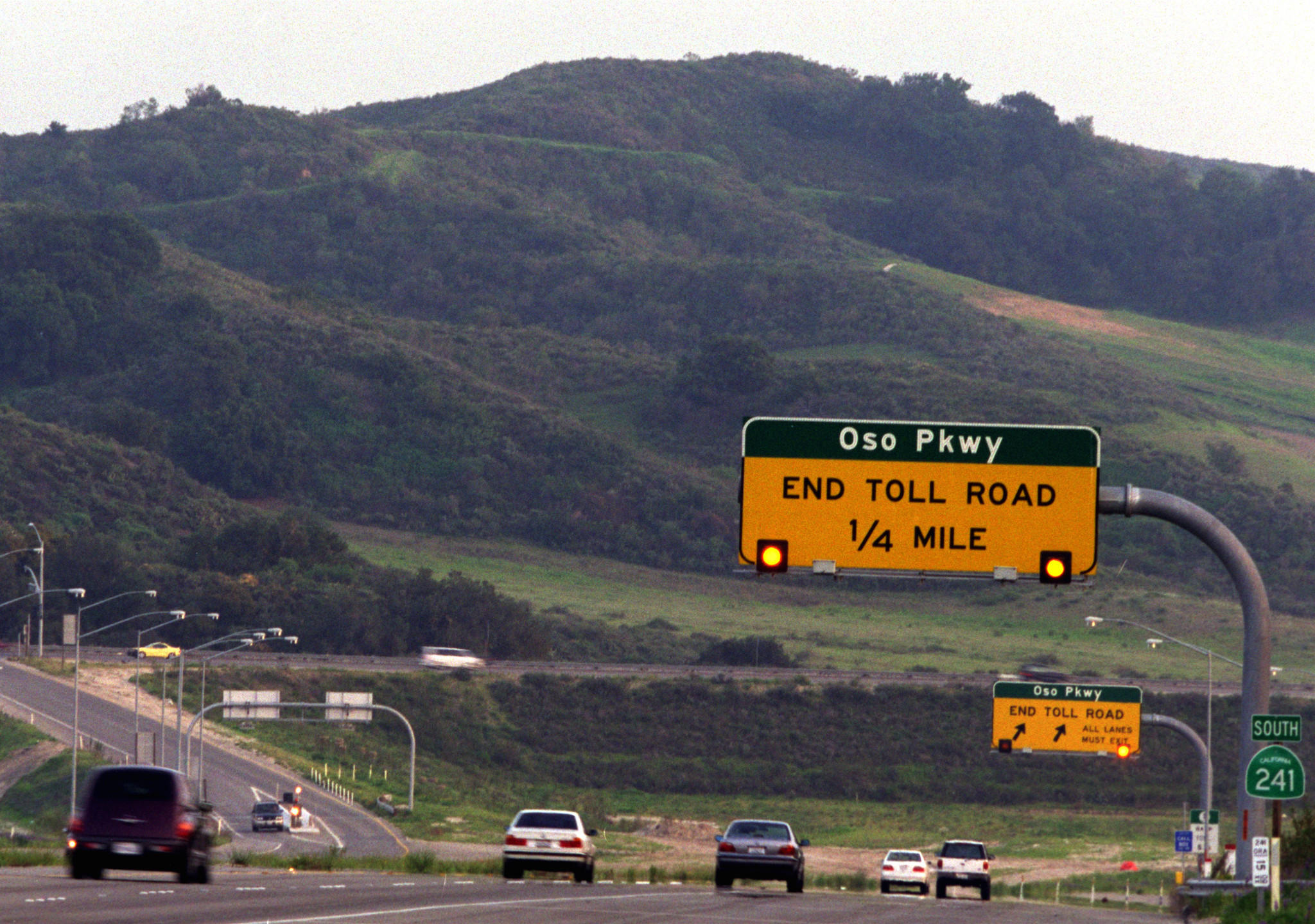 A file photo shows the end of the 241 toll road looking southward to Oso Parkway near Coto de Caza. A proposed Tesoro extension would run from Oso to Cow Camp Road near San Juan Capistano.