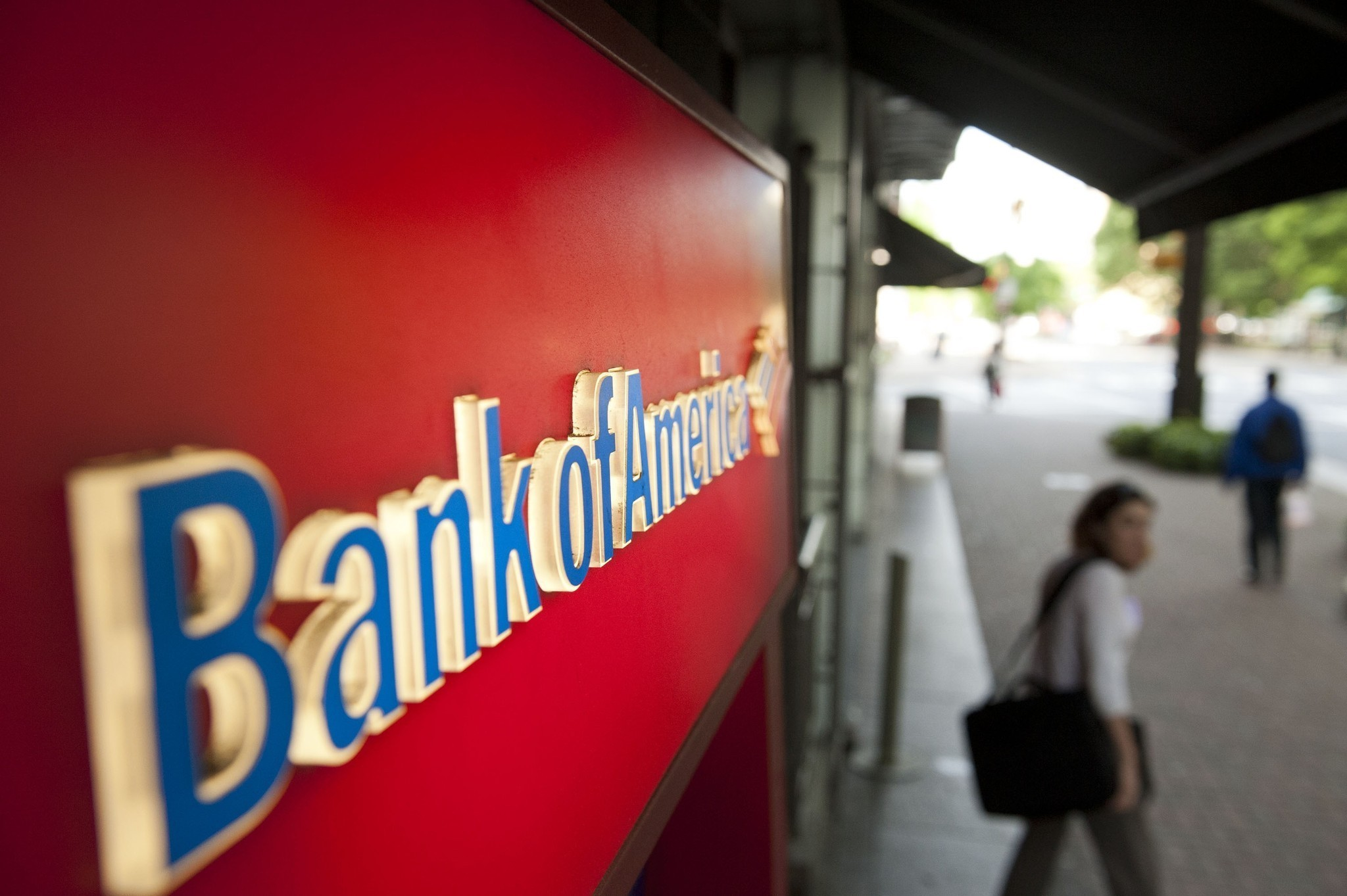 Bank of america to pay 772 million for illegal credit card practices la times - Credit bureau protection ...