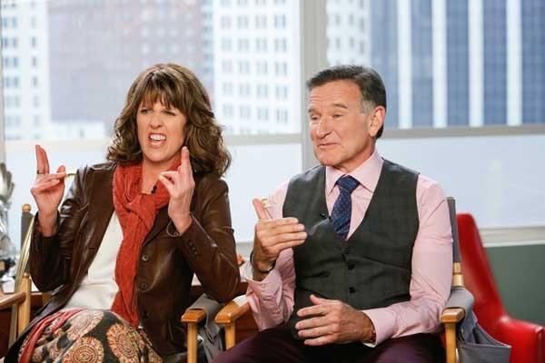"""An old flame (Pam Dawber) complicates things in """"The Crazy Ones"""" on CBS. With Robin Williams."""