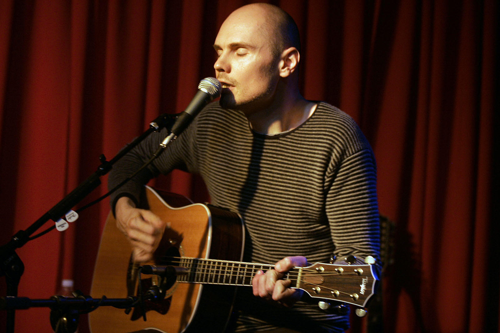 Billy Corgan has announced a new experimental LP.